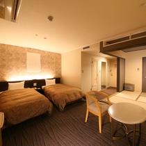 【和洋室】4.5畳の畳のフリースペース付き。ファミリーに大人気のお部屋です。