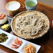 ◆つけもの喫茶「そばセット」玉之湯の蕎麦が楽しめます。