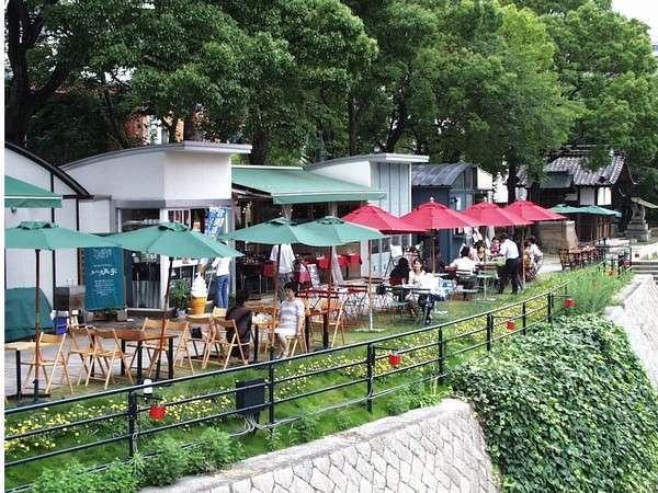 【観光情報】京橋川水辺のオープンカフェまで徒歩約5分。