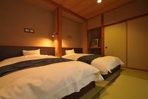 【二間客室】和室10畳+ベッドルーム(ベッドルーム)