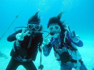 沖縄のキレイな海を安全に楽しくご案内します♪