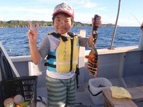 船釣り体験にチャレンジ!お魚釣れたよ~♪♪♪