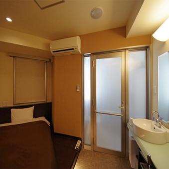 喫煙レインシャワールーム(多機能シャワー・浴槽無し)