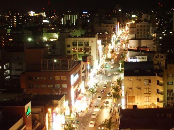 ホテル上階からの夜景(国際通り側)