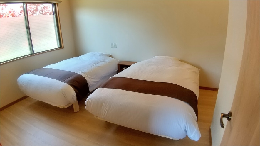 2階和洋室ベッドルーム