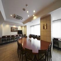 ご朝食会場時間(6:30~9:30)、ラウンジ開放時間(15:00~23:00)