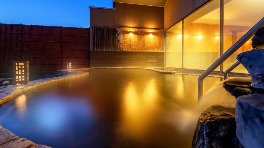 みちのく城址温泉のやわらかなお湯に身を包み、心安らぐ夜の時間を。