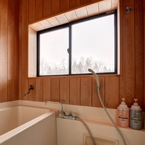 *【新館:スーペリアルーム】こちらのお部屋にはお風呂がついております
