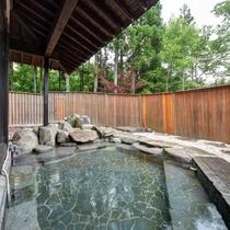 *【露天風呂】大自然を眺める露天風呂(春から秋までご利用いただけます)