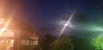 温泉の月夜