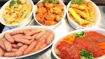 フライトポテト・鶏のから揚げ・エビフライ・ソーセージ・ミートローフ日替わり(イメージ)