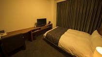 ◆ダブルベッドルーム (130×205センチ) 16平米