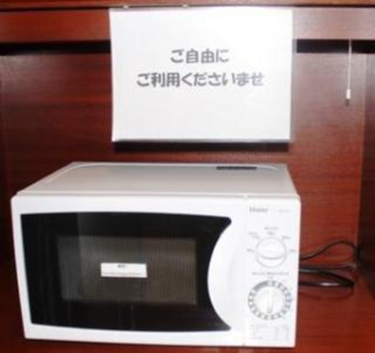 2階共有スペースには、食事の温めや離乳食に便利なレンジ常備