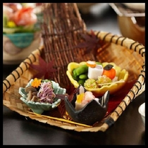 季節の前菜※写真はイメージです。内容は季節により異なります。