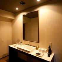 【プレミアムルーム】広々とした洗面台