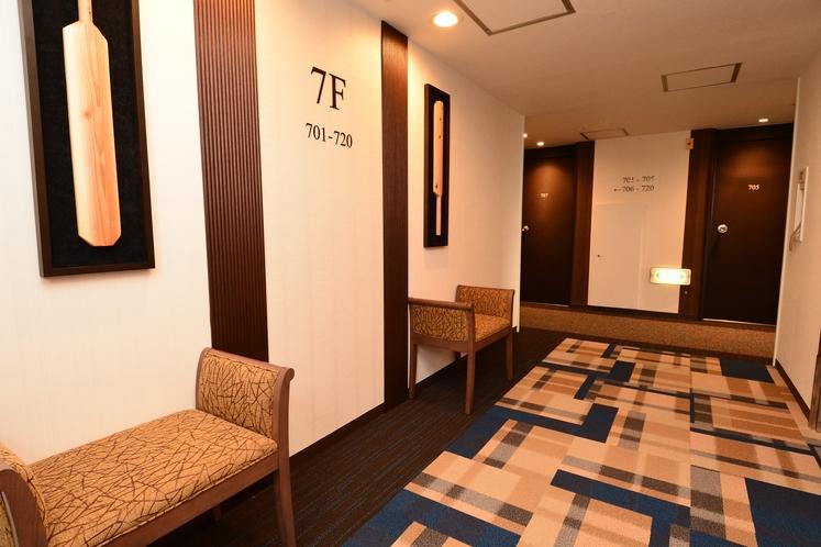 7階 エレベーター前