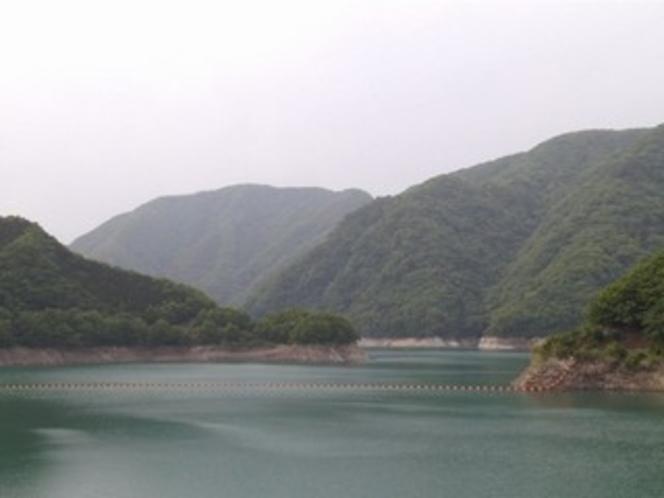 八汐湖(川治湖)