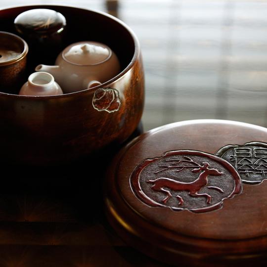 【数寄屋造り離れ/長生殿】春日大社との関係を思わせる茶櫃