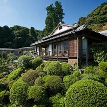 【数寄屋造り離れ/延寿閣】庭園の中の離れ