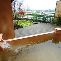 【富士見台/露天風呂付和室】開放感のある露天風呂(一例)