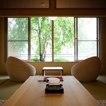 【富士見台/専有露天風呂付和洋室】広々としたリビングも備えた贅沢な造り