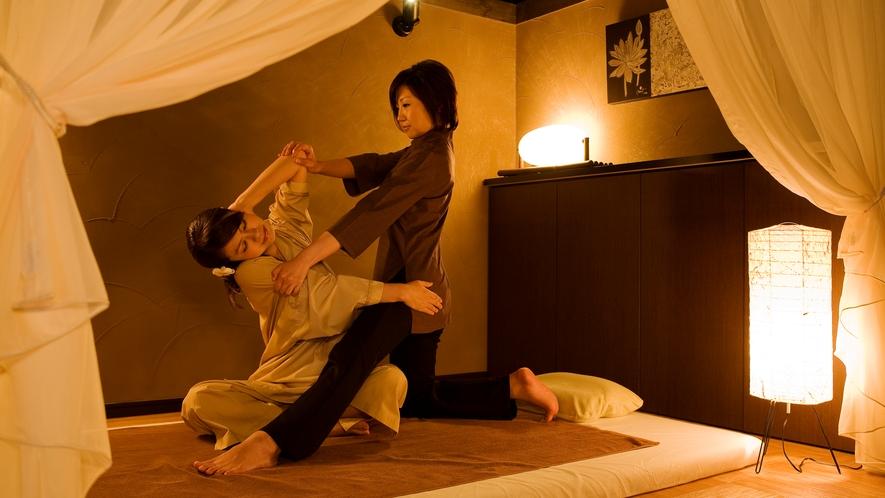 【ASHIYAバンクンメイ】心と体を解き放つタイ古式マッサージ