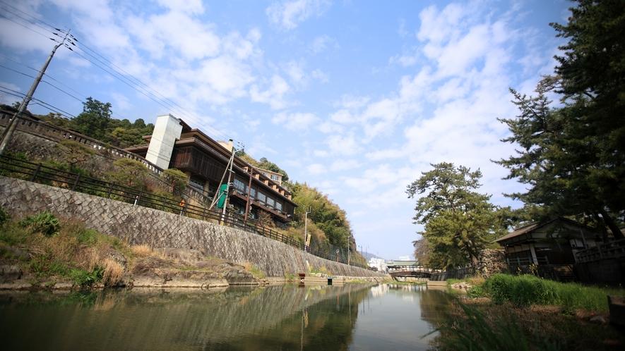 宿の目の前を流れる金倉川