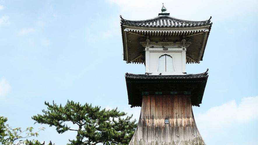 【高灯籠】高さ日本一の国の重要有形民俗文化財