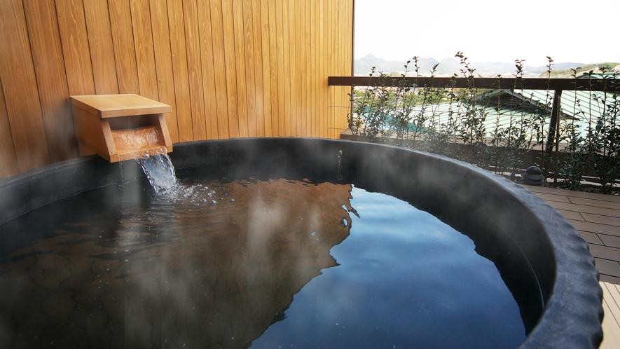 【富士見台/専有露天風呂付和室】広々とした陶器風呂タイプ(一例)