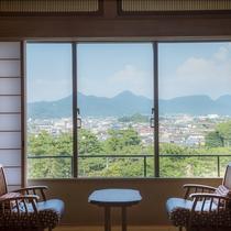 【別館・山翠閣/和室】門前町や庭園を眺める和室(一例)
