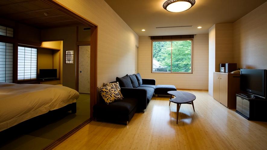 【富士見台/和洋特別室】リビングはソファータイプとテーブルタイプ