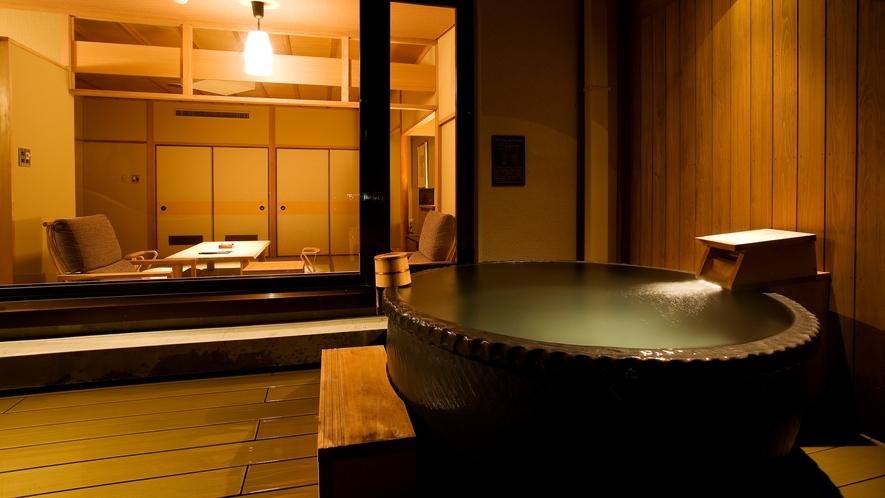 【富士見台/専有露天風呂付和室】テラスの陶器風呂タイプの露天風呂(一例)