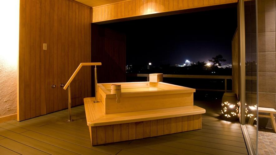 【貸切露天風呂なごみ湯】貸切風呂から琴平の町の夜景を