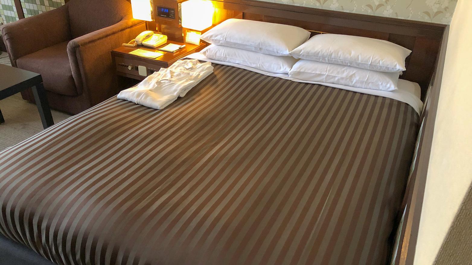 リクライニングシングル     22m2/ベッド幅140200cm