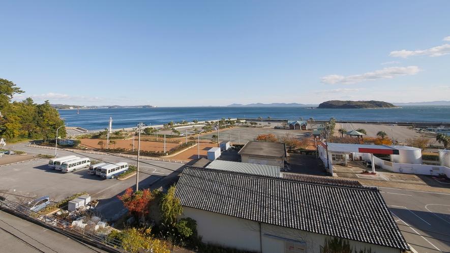 *【景観】上層階大きいお部屋からの眺め。海を見てのんびり。