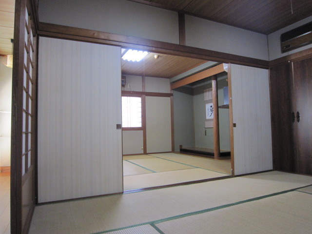 二間続きのお部屋(1)