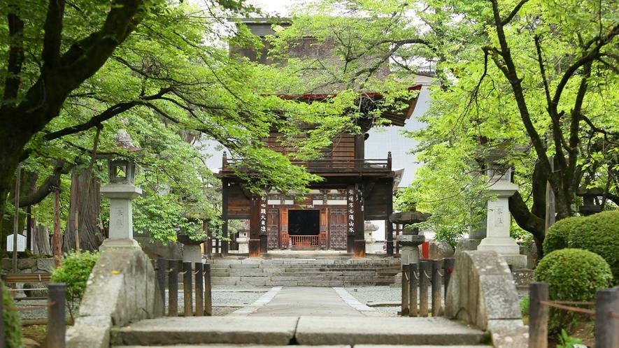 【周辺観光】恵林寺:当館から車で10分でアクセス可能です