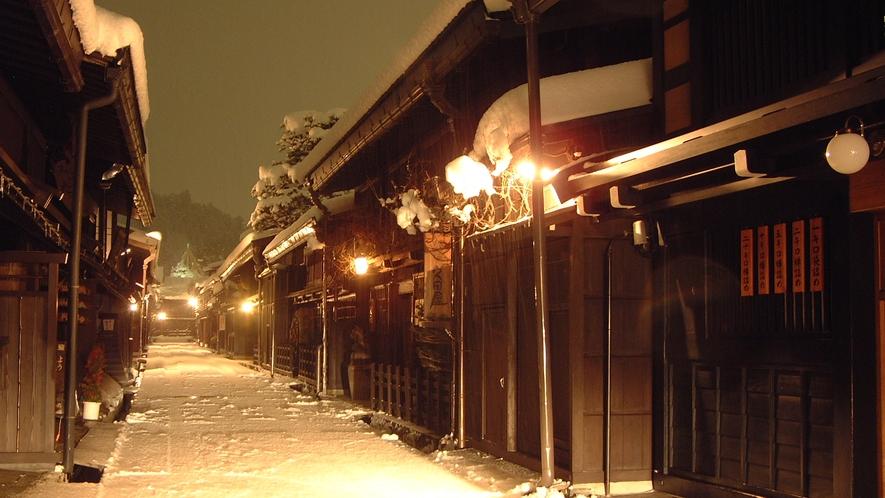 雪の積もった古い町並みも、風情があって素敵です。