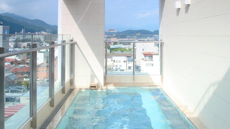 朝は早朝5時からご入浴いただけます。(12月~3月は6時から)