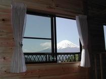 部屋からの富士