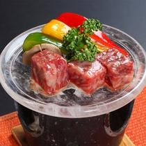 *【夕食(お食事一例)水晶焼】国産黒毛和牛サーロインの水晶焼