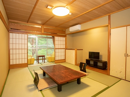 本館和室10畳タイプ【喫煙】 渓谷側のお部屋