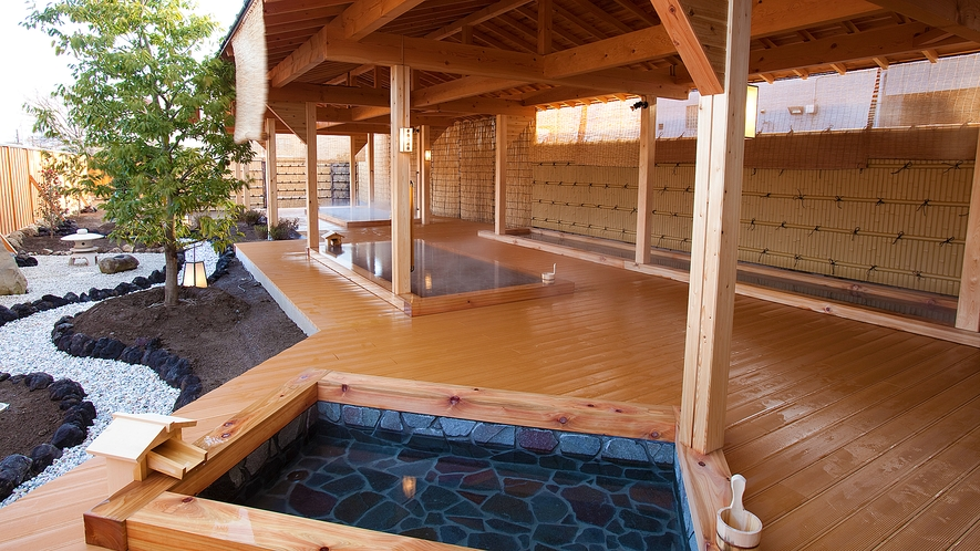 春雨の湯 露天風呂