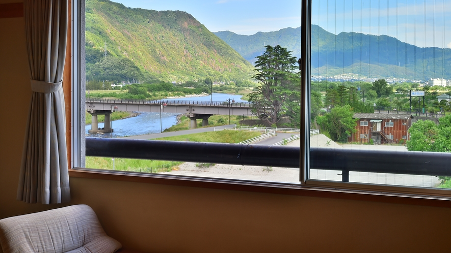 和洋室[2ベッド+畳スペース]からの眺め