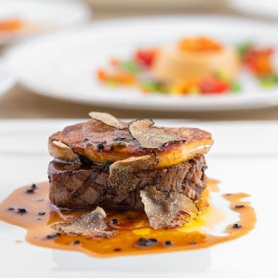 【プレミアム・ディナー】 北村総料理長こだわりの美味しいものを集めたルミエスタホテル最上級ディナー。