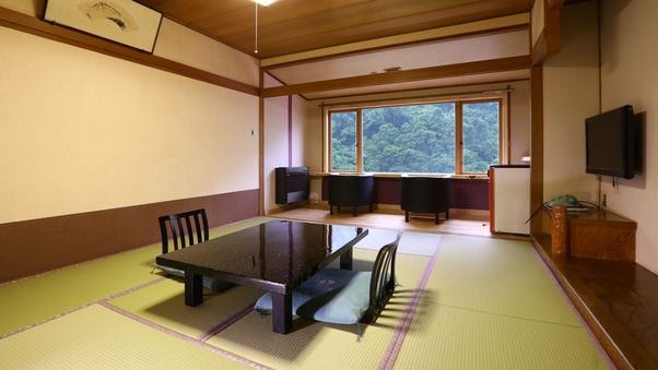 【本館和室10畳+広縁】松川渓谷側