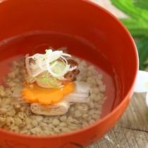 ◆蕎麦の実と生湯葉のお吸い物