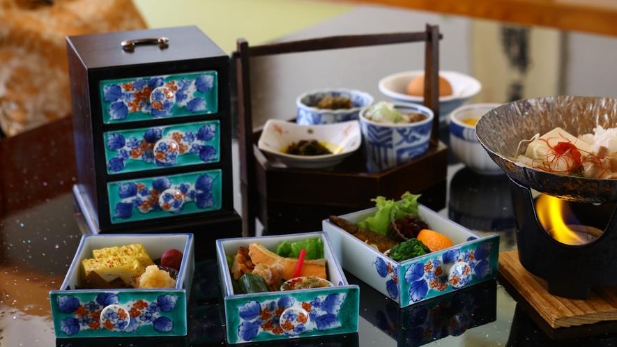 【お部屋食プラン】朝もお部屋でまったりご朝食を。