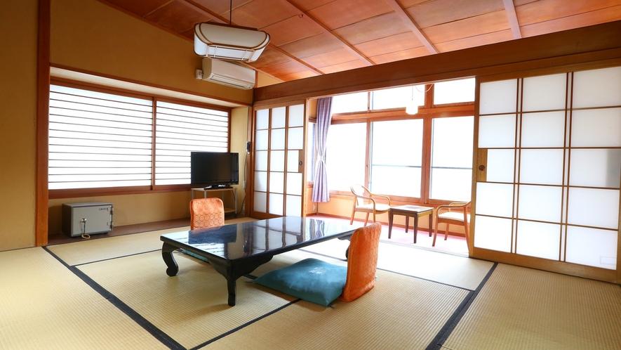 【温玉荘・和室10畳】松川渓谷側のお部屋です