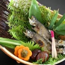 ◆岩魚の塩焼き(季節に応じて鮎に変更)